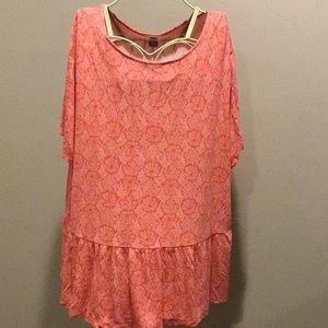 Old Navy Coral and white short sleeve top